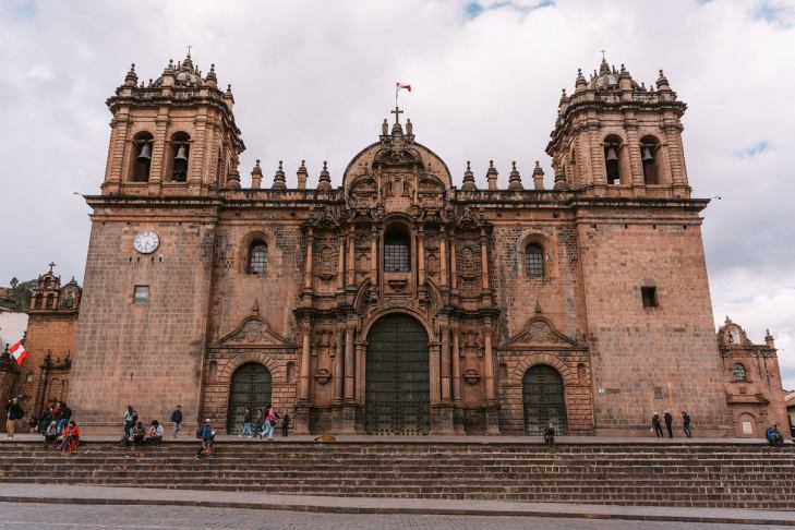Best-Things-To-Do-In-And-Around-Cusco-Peru-Cathedral2