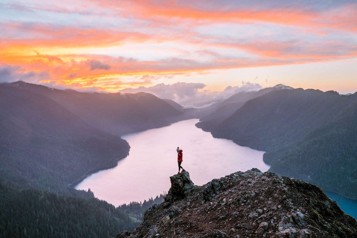Olympic-National-Park-Adventure-Getaway-24-Hour-Itinerary-from-Seattle-Renee-Roaming-Mount-Storm-King-Hike-6