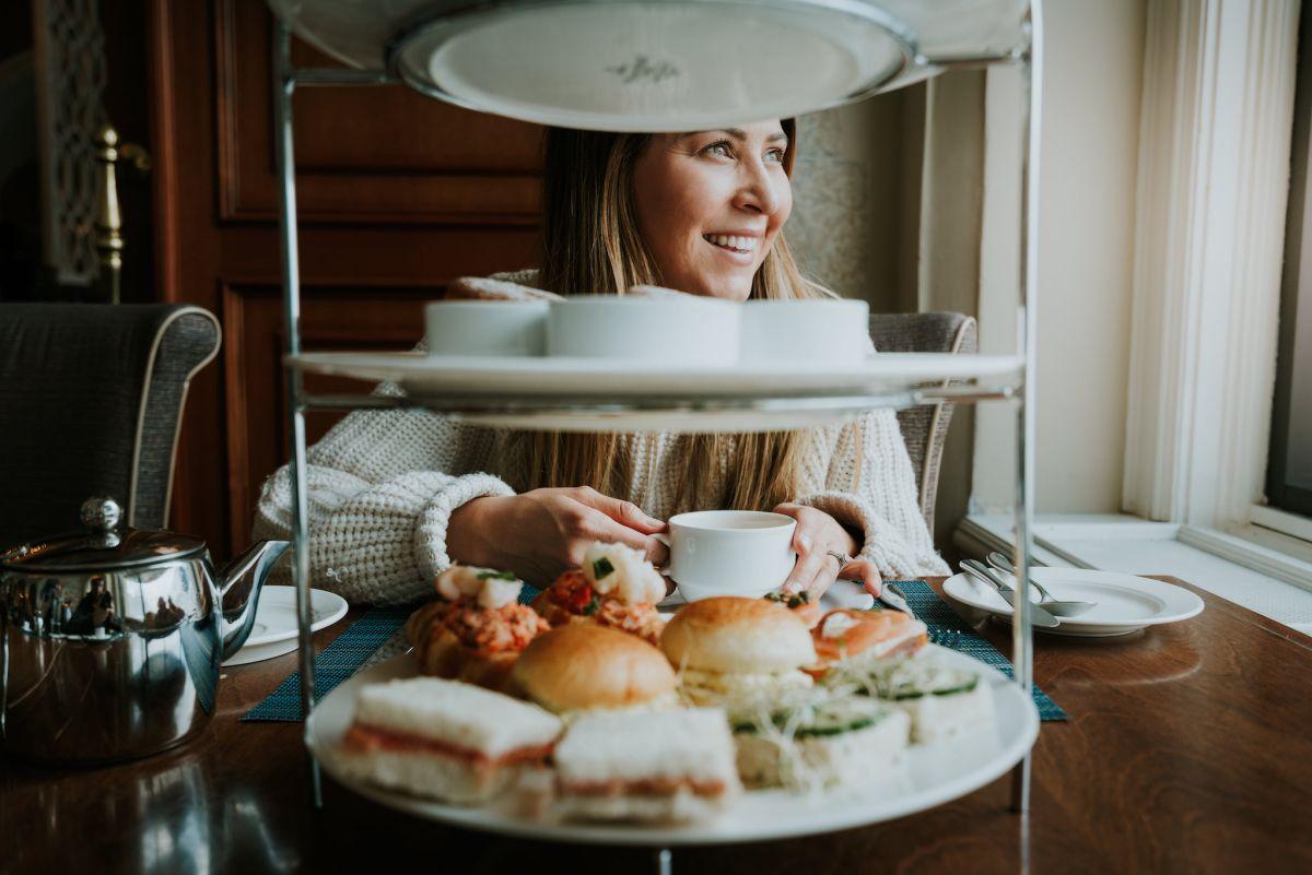 Planning a Trip toBanffin Winter - Lake Louise Afternoon Tea - Renee Roaming