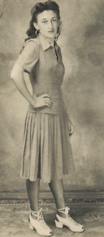 Mary Ann Smith Dodds, mother of Yvonne Bivins. Collection of Yvonne Bivins.