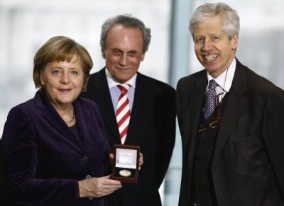 https://i2.wp.com/renegadetribune.com/wp-content/uploads/2015/11/merkel__angela-europa_prize_6-21-12.jpg