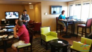 Los Angeles LAX IHG Crown Plaza Club Room King room review RenesPoints Blog (8)