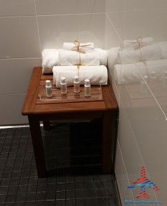 Delta Sky Club showers SFO San Francisco airport Renes Points blog (5)