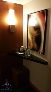 jr suite with runway view grand hyatt dfw renes points blog review (1)