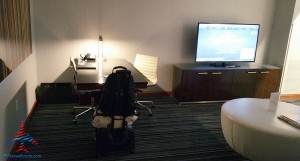 jr suite with runway view grand hyatt dfw renes points blog review (6)