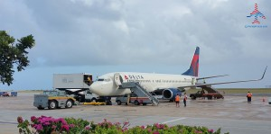 delta 737-800 about to depart barbados renes points blog