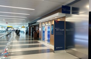Delta Sky Club NYC New York City T4 JFK Review Renes Points blog (1)