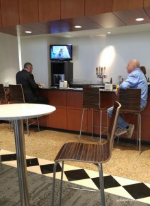 Delta DFW SkyClub E11 Seating (13)