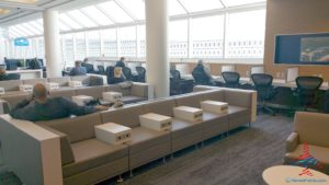 Delta Minneapolis MSP Central concourse Sky Club Review RenesPoints travel blog (8)