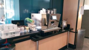 Delta Sky Club EWR Newark Liberty International Airport RenesPoints blog review (14)