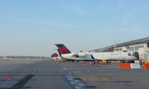 Lots of Delta airplanes DTW airport RenesPoints blog