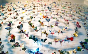 dsc_8896_asanda-spa-butterfly-art-display-seattle-delta-skyclub-seatac-laptoptravel_02
