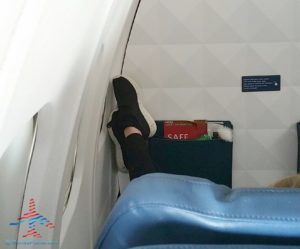feet-on-delta-jet-on-wall-fail-renespoints-blog
