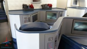 delta-one-business-class-seat-review-renespoints-blog-best-seat-to-choose-10