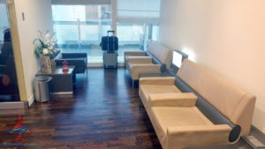 review-air-france-priority-pass-lounge-iah-houston-texas-renespoints-travel-blog-5