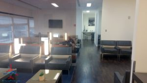 review-air-france-priority-pass-lounge-iah-houston-texas-renespoints-travel-blog-6