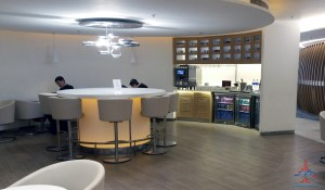 skyteam-delta-lounge-hkg-hong-kong-international-airport-review-renespoints-travel-blog-14