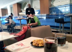 chair-massage-delta-A17-skyclub-renespoints-blog
