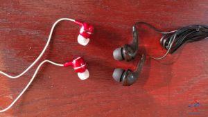 review Delta Billboard headphones vs Amerian headphones in first class renespoints blog (3)