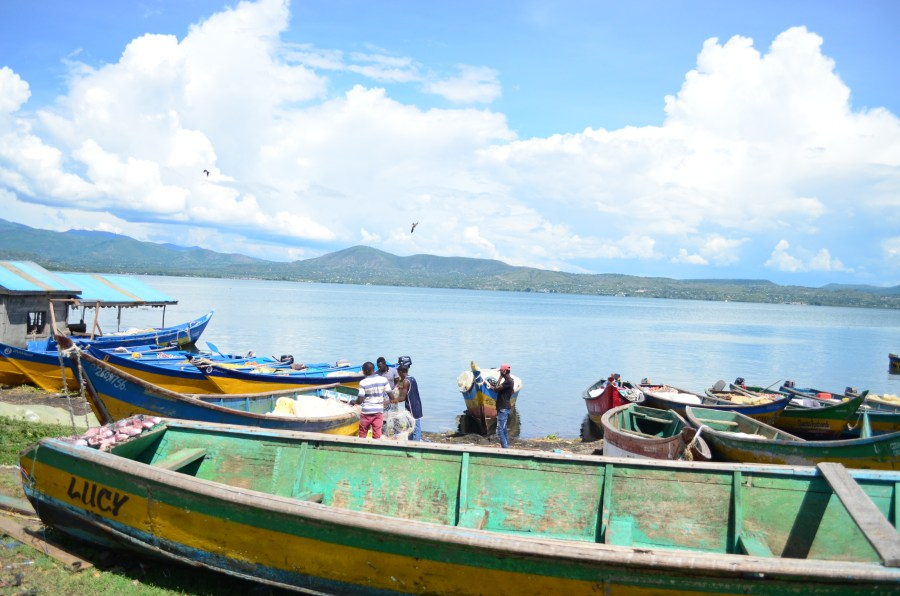 Fishing boats on Kiwa Island
