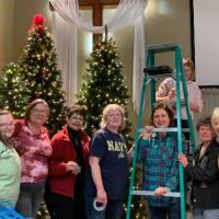 Renew Church Holiday Decorating