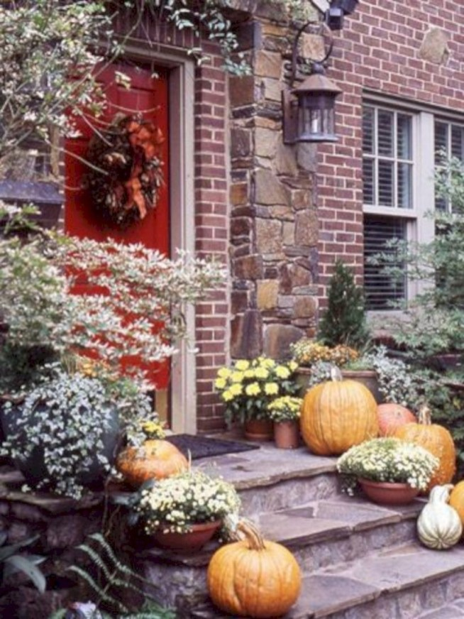 Arrangement Of A Neat Red Brick To Beautify The Exterior Of The House 24