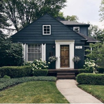 Best Exterior House Paint Color Combinations 16