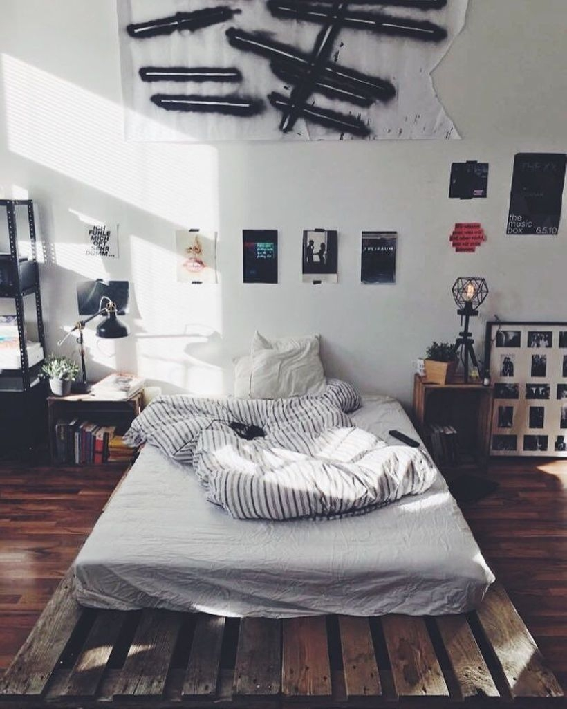 Cozy Bedroom Ideas For Your Tiny Apartment 47