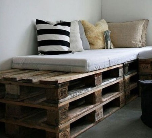 Easy DIY Ideas For Old Pallet Wood 21