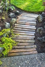Easy DIY Ideas For Old Pallet Wood 23