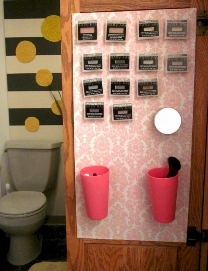 Insanely Clever Things Your Small Apartment Needs 29