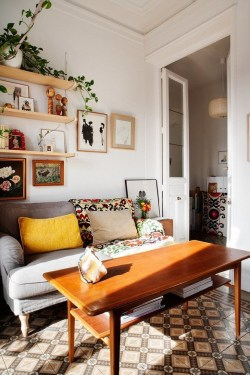 Neat And Cozy Living Room Ideas For Small Apartment 32