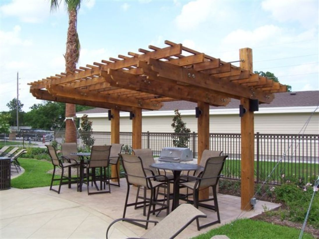 Pergola Ideas To Keep Cool This Summer 22