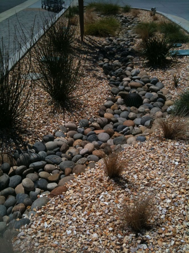 River Rock Landscape And Lavender Bush For Your Outdoor 06