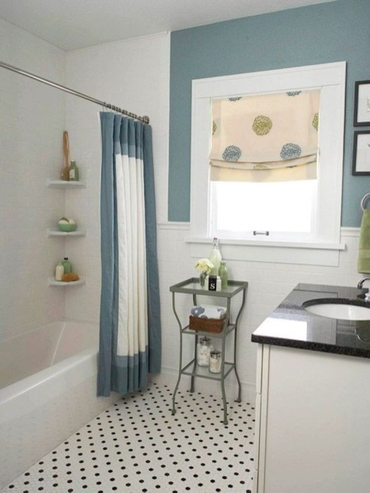 Small Bathroom Makeovers That Give Us Hope 23