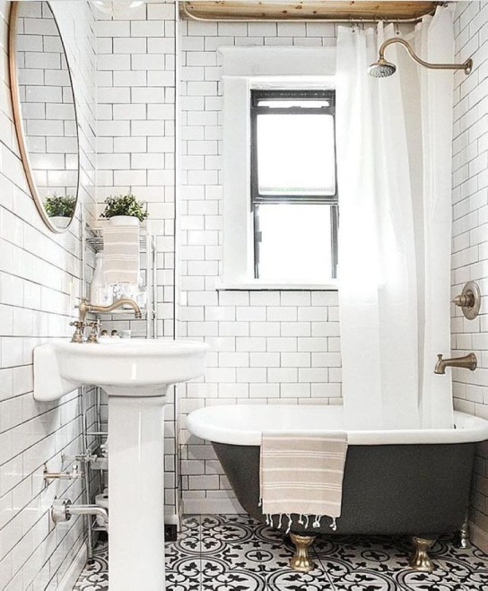 Small Bathroom Makeovers That Give Us Hope 32