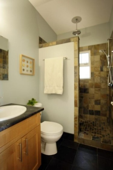 Small Bathroom Makeovers That Give Us Hope 40