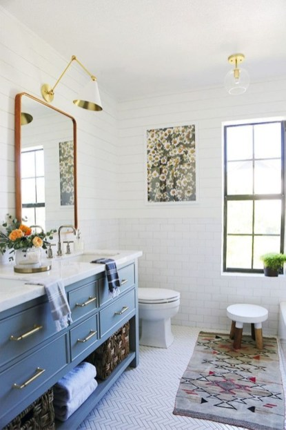 Small Bathroom Makeovers That Give Us Hope 47