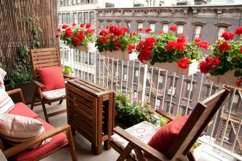 Unique Space Saving Accessories For Your Balcony03
