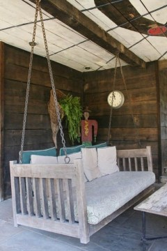Ways To Create A Relaxing Porch For Big Family 20