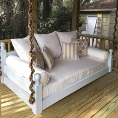 Ways To Create A Relaxing Porch For Big Family 23