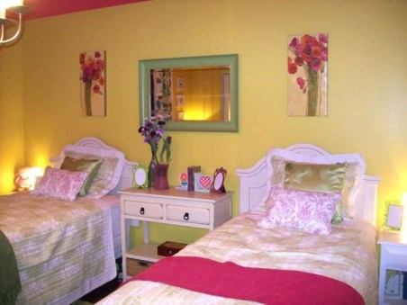 Yellow Bedroom For Your Child's Room Idea To Sleep Feels Warm 38