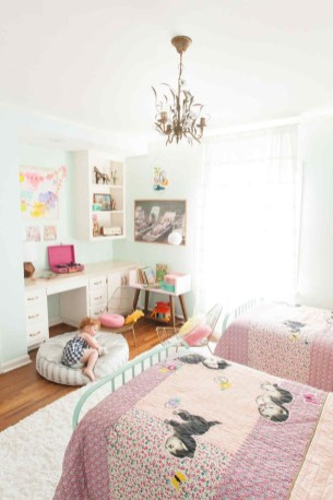 Check And Try Wall Decor In Your Daughter Bedroom 31