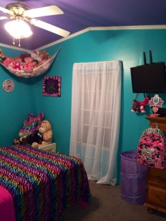 Check And Try Wall Decor In Your Daughter Bedroom 43