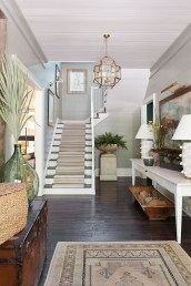 Beautiful Entry Table Decor Ideas To Updating Your House 33