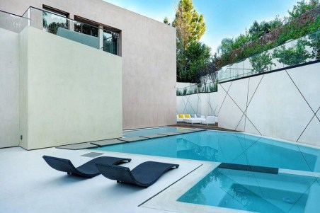 Best Outdoor Pool Design For Your Decoration 38