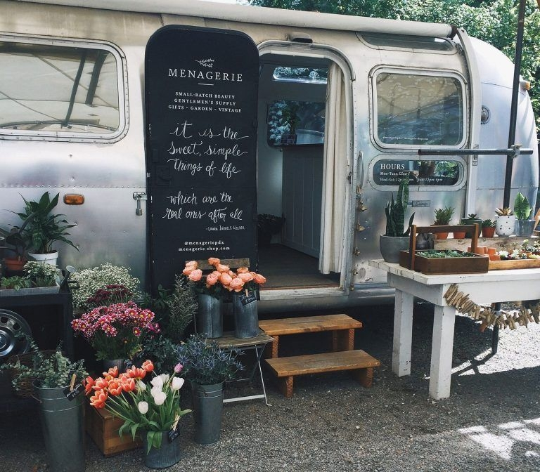 Easy Remodeling RV Decoration You Can Try 13