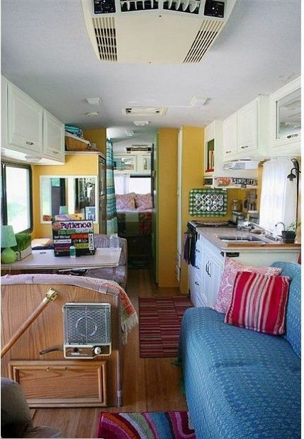 Easy Remodeling RV Decoration You Can Try 33