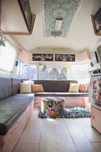 Easy Remodeling RV Decoration You Can Try 36