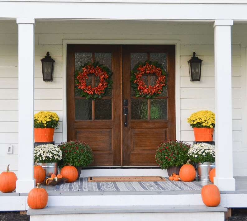 Farmhouse Door Design For Decorating Your House 36
